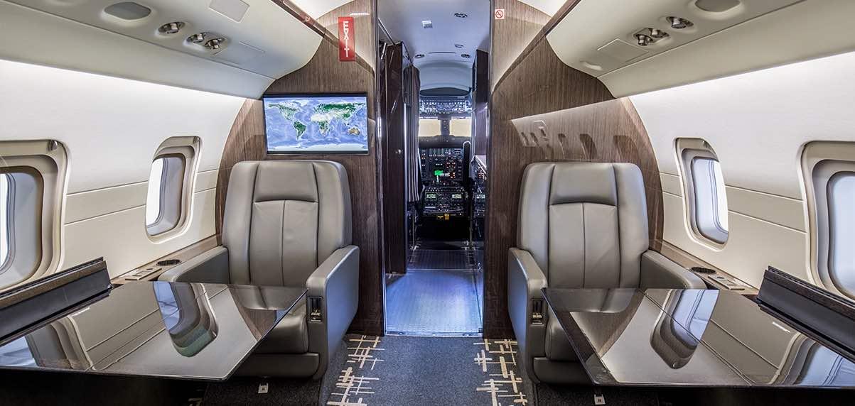 Schubach_Aviation_Challenger_601_3R_Seats